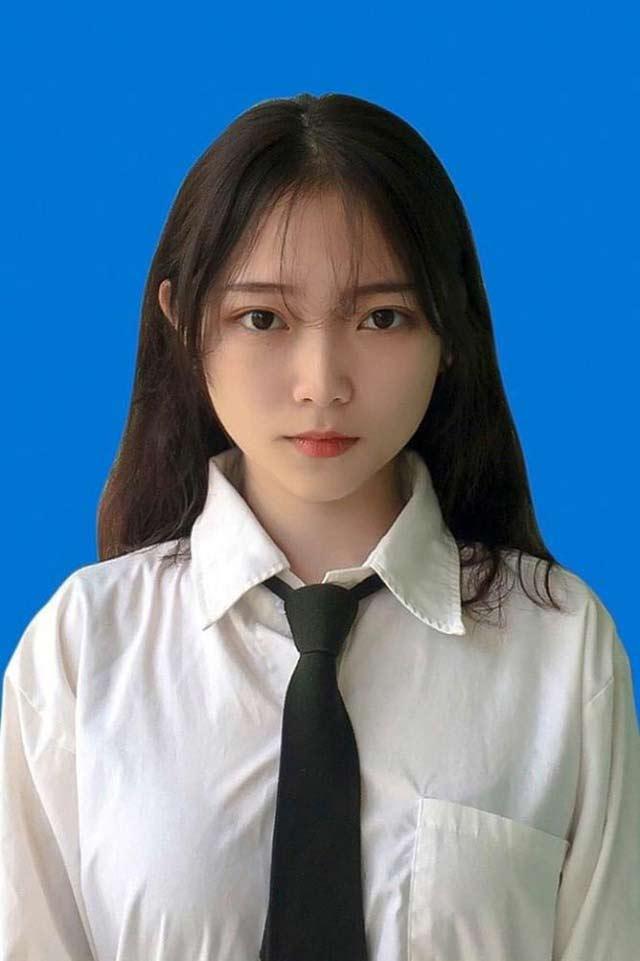 Hot girl ảnh thẻ Linh Chi là ai